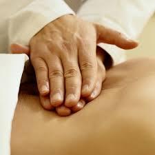 Получите новую профессию — станьте массажистом благодаря курсам в школе «Партнер Плюс»!