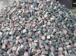 Щебень — недорогой и универсальный строительный сыпучий материал