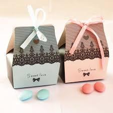 Бонбоньерки на свадьбу станут отличным подарком для каждого гостя, который долгие годы будет напоминать об этом знаменательном событии!