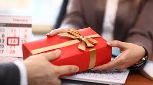 Какой выбрать подарок для бизнес-партнера