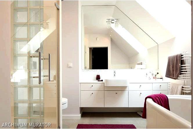 Обустройство ванной комнаты — зеркало без рамы, т.е. оптические хитрости в ванной на чердаке