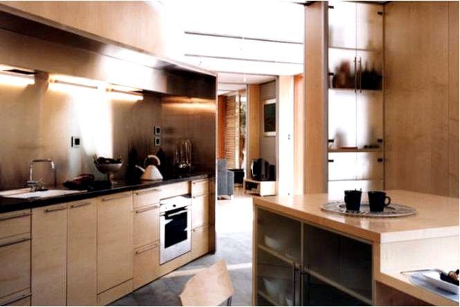 Обустройство кухни — традиционная кухня в естественных тонах