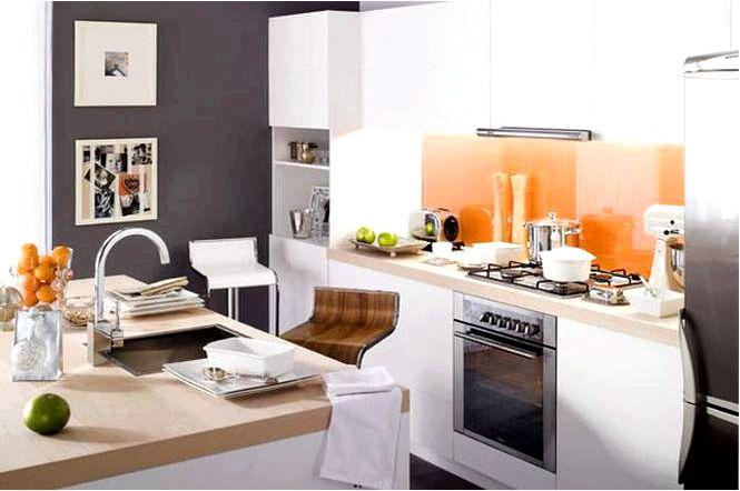 Оборудование кухни с островным дизайном кухни в стиле ретро