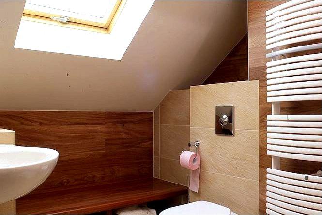 Обустройства санузлов на мансарде 13 идей обустройства ванной под углом