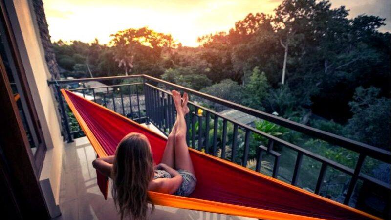 Балкон — зона релаксации, домашний сад или дополнительный