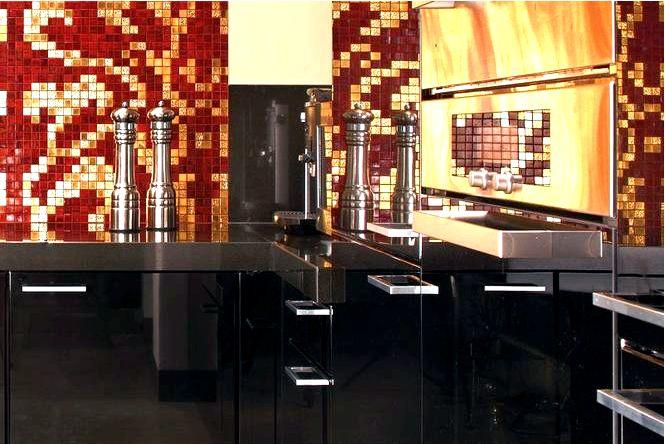 Красочная мозаика над рабочей стойкой на кухне 10 идей