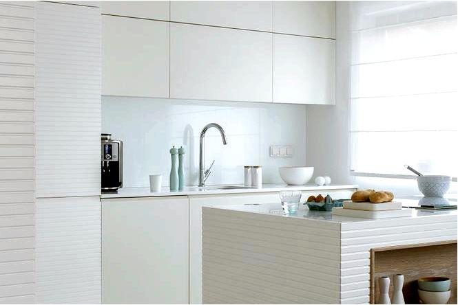 Белая кухня в версии total. монохромные дизайны белых кухонь