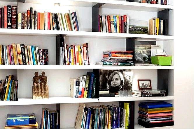 Книжные шкафы для гостиной, выбираем книжный шкаф и полки для книг