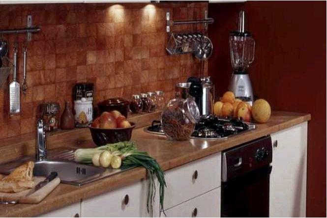 Чиана на кухне — обустройство кухни отделанной деревянной брусчаткой