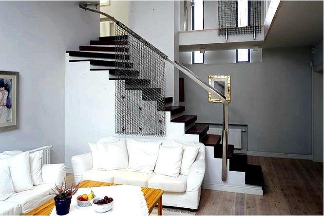 Интересные цвета стен гостиной и кухни