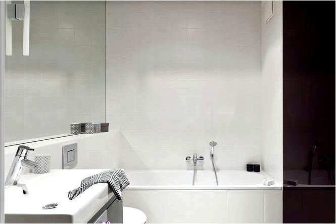 Черно-белые конструкции ванной комнаты, которые никогда не выходят из моды