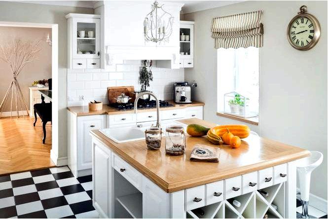 Нежная белая кухня в английском стиле