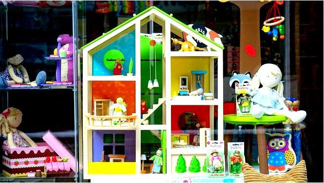 Кукольный домик — как играть, как собрать и украсить интерьер