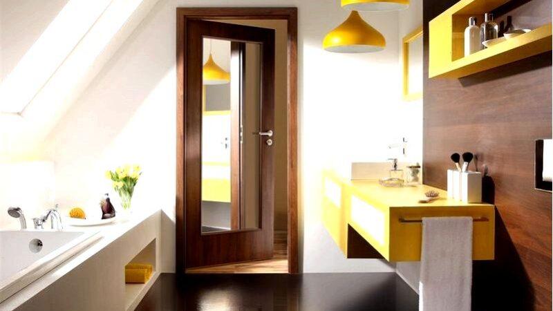 Зеркальная дверь-способ создать более яркое пространство в
