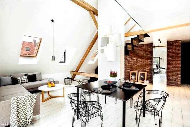 Двухуровневая квартира на мансарде в многоквартирном доме