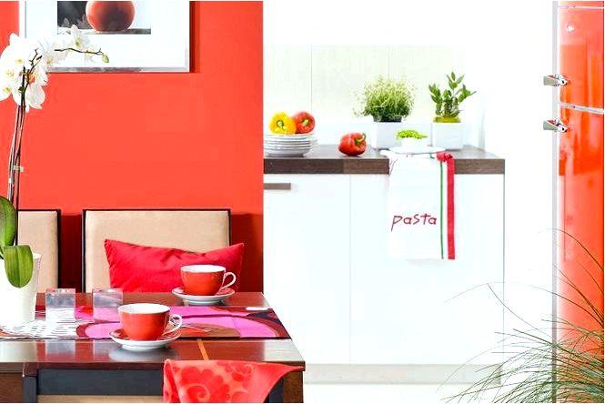 Столовая в красном цвете как способ привнести в интерьер яркие цвета