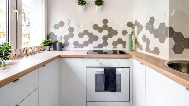 Как функционально украсить кухню интерьером