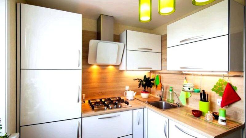 Как оптимально организовать небольшую кухню в блоке декора