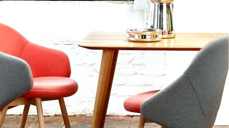 Стул используется для сидения, и не все об этом