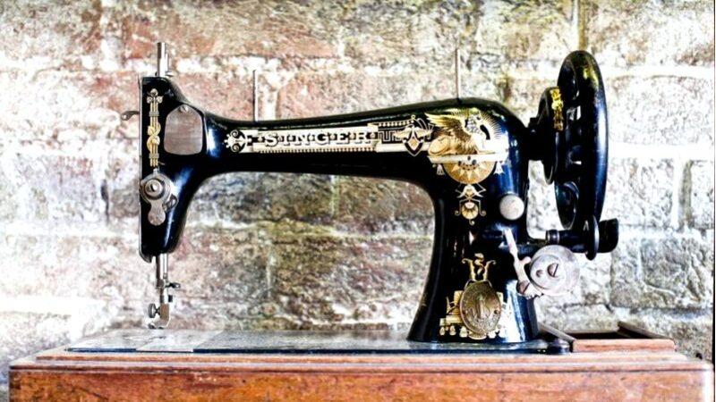 Швейная машина singer-антикварная мебель, идеально подходящая для интерьера