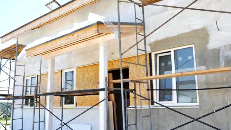 Монтаж дверей — на каком этапе строительства монтируется дверь