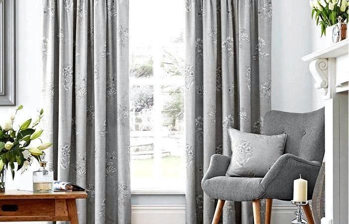 Як вибрати колір штор? Білі, чорні, темно-сині, сірі або, може бути, бірюзові штори?