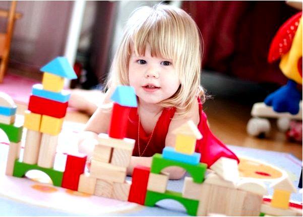 Как выбрать развивающую игрушку для своего ребенка?