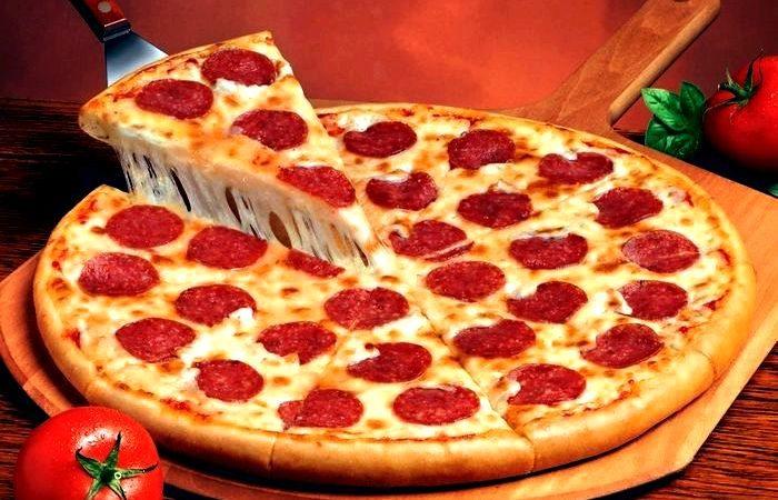 Что должно быть первым при приготовлении пиццы? Сделайте правильный заказ